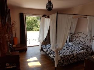 Chambre triple 2 avec accès terrasse- vue piscine