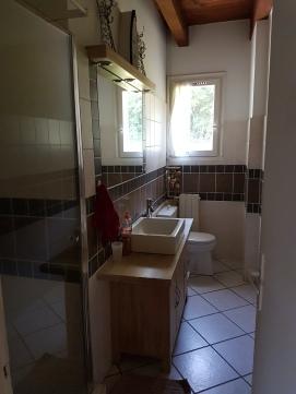 Salle de bain 1 (vue forêt)