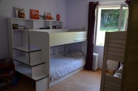 Chambre quadruple (lits superposés 90/200 plus 3° lit tiroir) - (vue sur forêt)